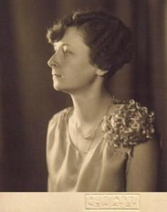 jadwigahoesick1935